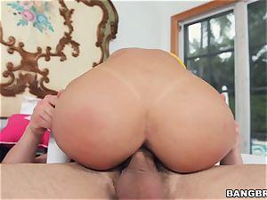 Veronica Rodriguez gets a stiff poon porking