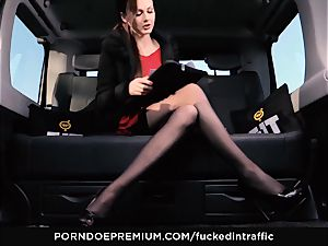 fucked IN TRAFFIC - Footjob and car bang-out with Tina Kay