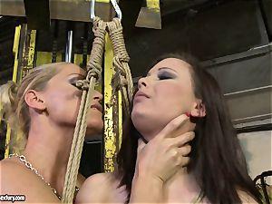 Kathia Nobili crop the tongue of beauty damsel