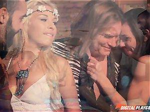 Hippy four-way with Aidra Fox and Carmen Caliente