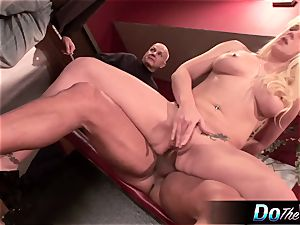 wifey gets analled in front of husband
