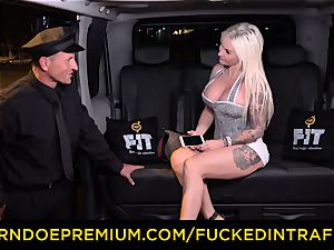 poked IN TRAFFIC - spunky blondes car triangle plowing