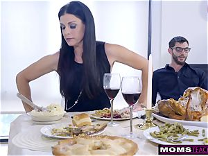 mother tears up son And munches creampie For Thanksgiving treat