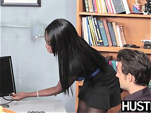 black cutie Oso nice twat humped by hung worker