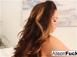Alison Tyler fumbles her poon