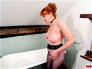 crimson hard-core playing with her cooch while in stockings