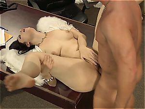 Kimberly Kane's moist puss gets railed