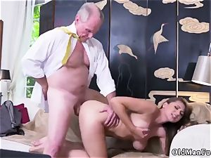 first-timer damsel masturbating Ivy makes an impression with her hefty bra-stuffers and rump