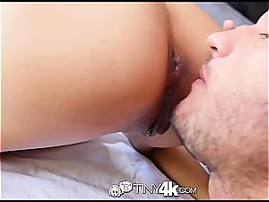 small Chloe Amour takes trunk deep