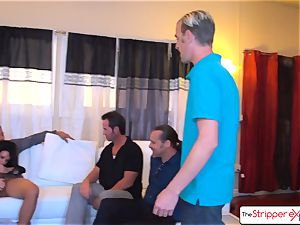 jaw-dropping milf Veronica Avluv deepthroating six ginormous chisels