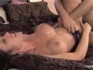 Capri Cavanni gets her puss plowed