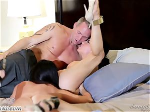 Veronica Avluv and India Summer - My dear hubby, you want to attempt my friend's gash