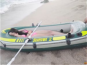 Lifeguards revive a chica with cock-to-mouth technique