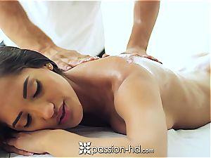 marvelous Latina Chloe Amour spunks stiff after massage