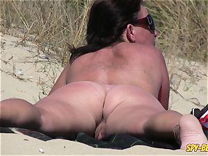 unexperienced nudist voyeur ample milf Close-Up movie