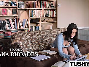 Lana Rhoades loves being an call girl