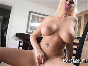 meaty breast towheaded milf Summer Brielle plays with her gash