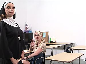 Nun's hunting for young vag
