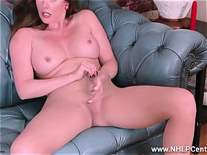 milf Holly smooch rips open tights humps fucktoy to ejaculation