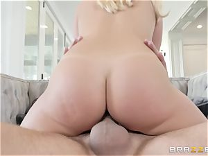 Bailey Brooke spreading her gams broad to get boinked