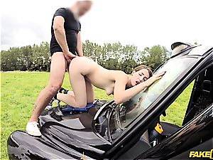Liz Rainbow gets her poon drilled on top of a car