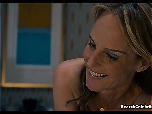 Heavenly Helen Hunt has a hairless muff for viewing