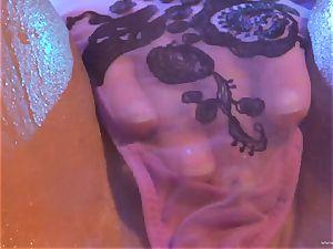 bombshell Julia Ann likes torturing Lisa Ann's raw fuck hole